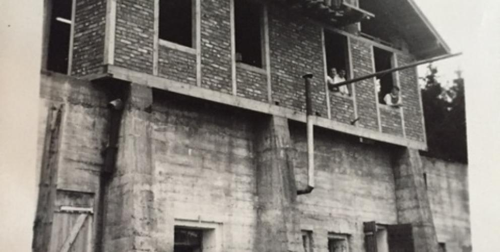 Projet JEE - Construction du chalet initial (date inconnue)